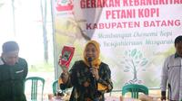 Ida Fauziah bertemu petani kopi di Kabupaten Batang (Tim Media Ida Fauziah)