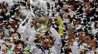 Cristiano Ronaldo meraih trofi Liga Champions keduanya saat bersama Real Madrid tahun 2014