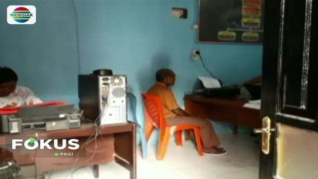 Seorang kakek di Minahasa Selatan, Sulut, mencabuli seorang bocah perempuan berusia 9 tahun hingga empat kali. Dalam menjalankan aksinya korban kerap diiming-imingi uang.