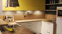 Dalam mendesain dapur ada istilah teknis yang disebut dengan golden triangle principle, yaitu posisi tiga fungsi alat dapur menyerupai sudut