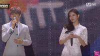 Suzy dan Baekhyun EXO terlihat romantis dengan alunan musik jazz di MNet Asian Music Awards 2016.