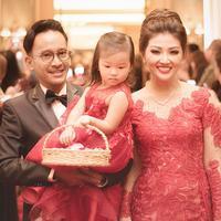 Rumah tangga Ruben Onsu dan Sarwendah selama ini jauh dari kabar miring, namun kabar terbaru disiarkan bahwa sekarang ini Sarwendah tengah berada di Hongkong. Kepergiannya, tak mengajak anak dan suaminya. Ada apa ya? (Instagram/sarwendah29)