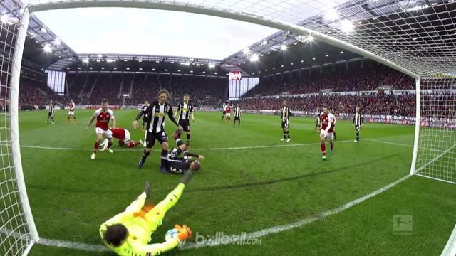 Berita video penyelamatan-penyelamatan terbaik yang terjadi pada pekan ke-28 Bundesliga 2017-2018. This video presented by BallBall.