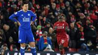 Striker Liverpool Sadio Mane merayakan gol ke gawang Leicester City pada laga Premier League, di Stadion Anfield, Liverpool, Rabu (30/1/2019). (AFP/Paul Ellis)