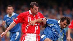1. Gary Pallister - Pallister memperkuat Manchester United selama sembilan musim pada tahun 1989-1998. (AFP/Tom Hevezi)
