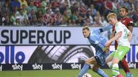 TAKLUK - Bayern Munchen takluk 4-5 melawan Vfl Wolfsburg di babak adu penalti pada ajang Piala Super Jerman. (REUTERS/Fabian Bimmer)