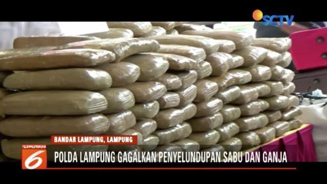 Polda Lampung menyita 60 kilogram sabu dan hampir tiga kuintal ganja yang akan diselundupkan ke Pulau Jawa.