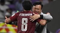Sirisak Yodyardthai, pelatih Timnas Thailand, mundur dari jabatannya. (AFP/Khaled Desouki)