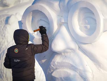 Mengintip Pembuatan Pahatan Salju di Festival Harbin
