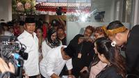 Pasangan Tubagus Hasanuddin dan Anton Charliyan mendaftar ke KPUD Jabar