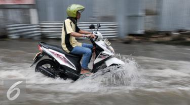 20161004-Pejaten Banjir-Jakarta- Yoppy Renato