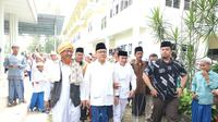 Rhoma Irama melanjutkan roadshow dendang kemenangan bersama Ketum PAN Zulkifli Hasan di Jawa Timur. (Istimewa)