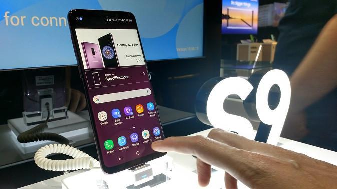 Galaxy S9 Plus yang kini sudah tersedia di toko resmi Samsung di Indonesia (liputan6.com/Agustinus M.Damar)