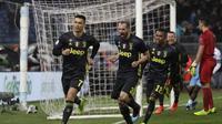 Cristiano Ronaldo mencetak gol penentu kemenangan Juventus atas Lazio dalam laga lanjutan Serie A di Stadion Olimpico, Roma, Senin (28/1/2019) dini hari WIB.  (AP Photo/Gregorio Borgia)