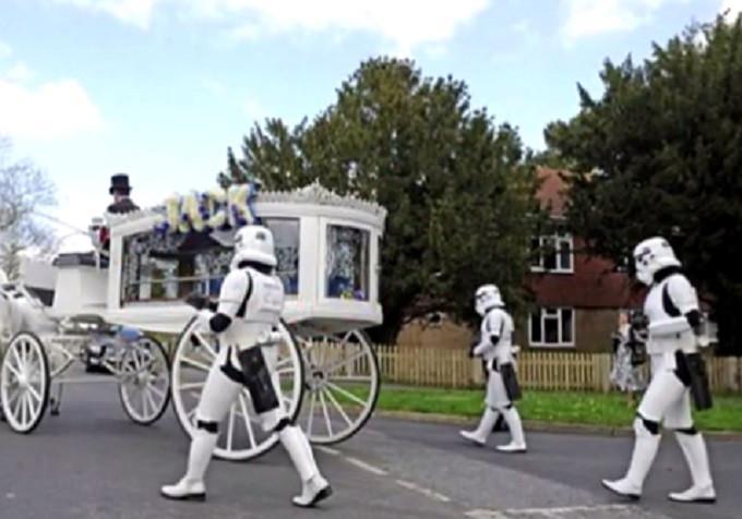Upacara pemakaman Jack Robinson (Capture/GameVola)