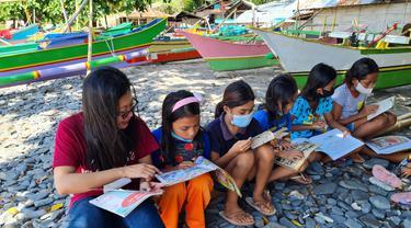 Kegiatan yang digelar di kelurahan Posokan, Lembeh Utara, Kota Bitung ini dengan memberikan 415 buku pembelajaran dari hasil donasi.