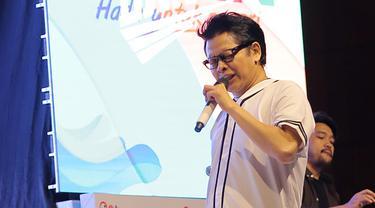 """InsyaAllah pas bulan puasa akan keluar single keempat,"" kata Armand Maulana saat mengisi acara penutupan Pekan Olahraga dan Seni BUMN 2018 di Gedung PLN Pusat, Jakarta Selatan, Sabtu, 5 Mei 2018. (Deki Prayoga/Bintang.com)"