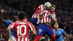 2. Pemain selanjutnya adalah gelandang milik Atletico Madrid, Hector Herrera (kanan atas). Pemain berusia 30 tahun ini didatangkan dari Porto musim lalu dengan bebas transfer. (Foto: AP/Manu Fernandez)