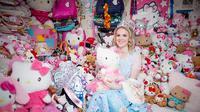 Natasha Goldsworth habiskan ratusan juta rupiah untuk mengkoleksi benda bertemakan Hello Kitty