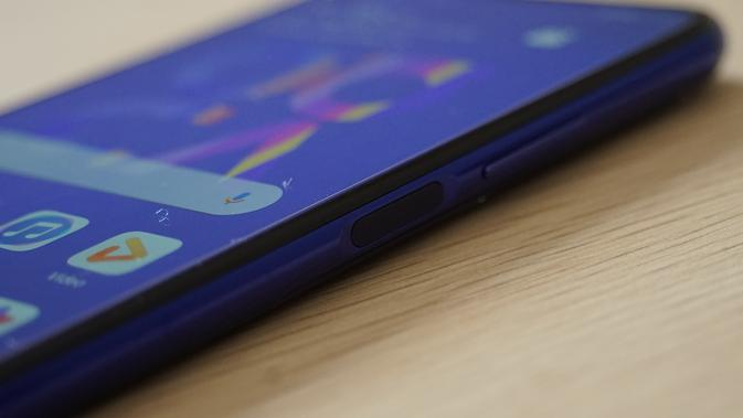 Huawei nova 5T (Foto: Andina Librianty/Liputan6.com)