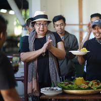 Pidi Baiq mempersiapkan kisah film Koboy Kampus.