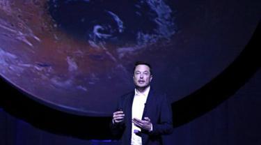 Elon Musk saat menjelaskan soal Interplanetary Transport System