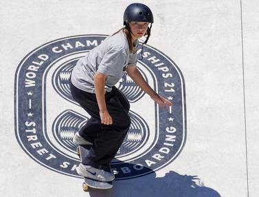 FOTO: Aksi Wanita Cantik Nan Enerjik di Atas Papan Skateboard untuk Kualifikasi Olimpiade Tokyo
