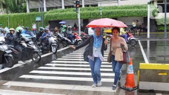 Cuaca Hari Ini Sabtu 16 Oktober 2021, Jakarta Hujan Angin Siang hingga Sore