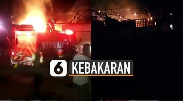 Si Jago Merah melahap tempat penggilingan beras KUD di Kabupaten Garut. Tidak ada korban jiwa dan luka akibat kejadian ini.