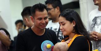 Buah hati dari pernikahan Raffi Ahmad dan Nagita Slavina, Rafathar Malik Ahmad, kini sedang dalam masa pertumbuhan. Bayi menggemaskan ini telah menginjak usia 4 bulan, sebagai orangtua, Raffi dan Nagita selalu memperhatikannya. (Deki Prayoga/Bintang.com)