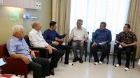 Perdana Menteri (PM) Singapura Lee Hsien Loong menjenguk Ani Yudhoyono. (Ist)
