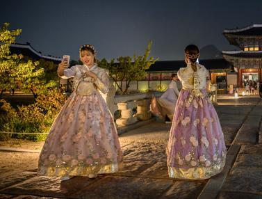 Istana Gyeongbokgung Seoul di Kala Malam