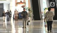 Aktivitas pengunjung di Sumarecon Mall Bekasi, Jawa Barat, Kamis (28/5/2020). Sumarecon Mall Bekasi akan menjadi mal percontohan dalam menerapkan New Normal di bidang perniagaan yang rencananya akan dibuka secara bertahap mulai 8 Juni seiring berakhirnya PSBB di Bekasi.(merdeka.com/Iqbal S. Nugroho)