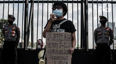 Desak Sahkan RUU PKS, Para Perempuan Geruduk Gedung DPR