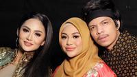 Krisdayanti, Aurel Hermansyah dan Atta Halilintar (Sumber: Instagram/krisdayantilemos)