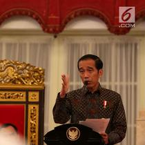 Presiden Joko Widodo atau Jokowi memimpin Sidang Kabinet Paripurna di Istana Negara, Jakarta, Senin (9/4). Sidang membahas ketersediaan anggaran dan pagu indikatif serta prioritas nasional tahun 2019. (Liputan6.com/Angga Yuniar)