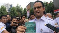 Gubernur DKI Jakarta Anies Baswedan meluncurkan Kartu Penyandang Disabilitas, Rabu (28/8/2019). (Liputan6.com/ Ratu Annisaa)