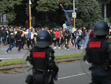 Protes Aturan COVID-19, Demonstran dan Polisi Bentrok di Melbourne