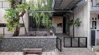 Pagar minimalis AA Residence di Cimanggis karya Bitte Design Studio. (dok. Arsitag.com)