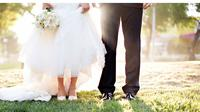 Simak di sini pengaruh dari perbedaan usia dalam hubungan pernikahan dan berapa perbedaan usia yang tepat untuk menjaga hubungan langgeng.