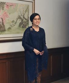 Menteri Keuangan Sri Mulyani dalam SVARNA by IKAT Indonesia oleh Didiet Maulana, foto: Istimewa