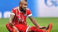 Bayern Munchen mengonfirmasi Arturo Vidal bakal absen sampai akhir musim untuk menjalani pemulihan cedera lutut yang dialaminya. (AFP/Bullent Kilic)