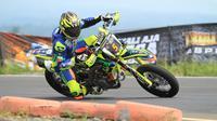 Doni Tata Pradita meraih gelar juara kelas FFA 250 cc dalam balapan Trial Game Asphalt (TGA) putaran pertama di Sirkuit Mijen, Semarang, Jawa Tengah. (foto: istimewa)
