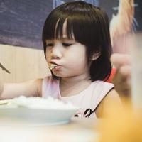 Anak susah makan bikin orangtua bingung/copyright: unsplash/rainier ridao