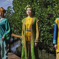 Intip koleksi modest wear yang menggunakan tenun Masalili asal Kendari (Foto: Wignyo Tenun Gaya)