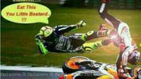 Insiden Rossi 'tendang' Marquez di MotoGP Malaysia langsung mendapat reaksi dari onliner