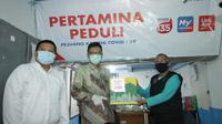 PT Pertamina (Persero) membagikan ratusan paket sembako bagi warga di sekitar Kantor Marketing Operation Region (MOR) VII, Sabtu (25/04).