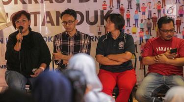 Anita Wahid Gusdurian berbicara dalam konferensi pers bertajuk Demokrasi di Ujung Tanduk, Jakarta, Minggu (15/9/2019). Konferensi pers ini diadakan dalam rangka peringatan Hari Demokrasi Internasional. (Liputan.com/Faizal Fanani)