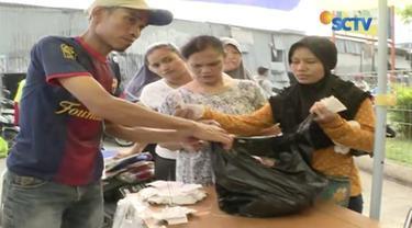 Dengan menggunakan KJP, warga bisa berbelanja sejumlah bahan pokok dengan harga jauh lebih murah.
