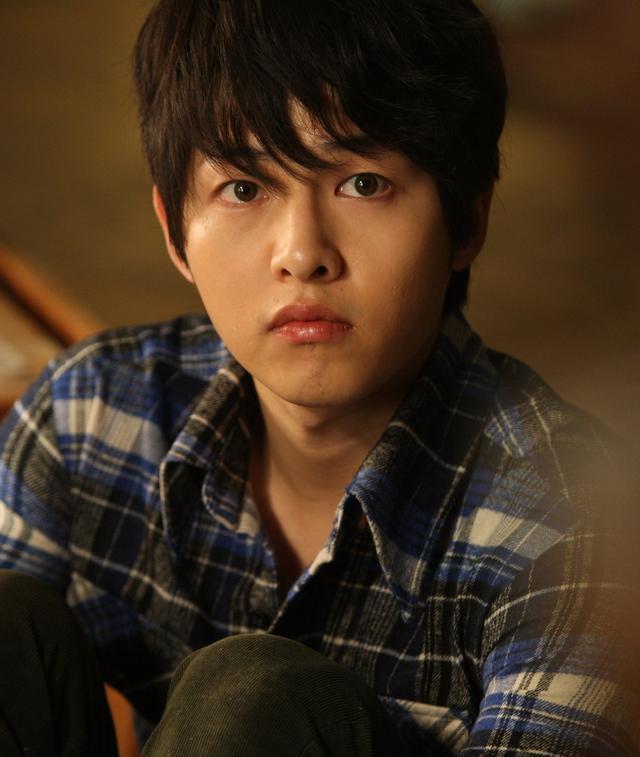 Song Joong Ki dalam Werewolf Boy. (CJ Entertainment)